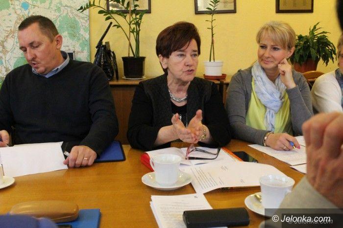 Jelenia Góra: Komisja Oświaty wydała opinię