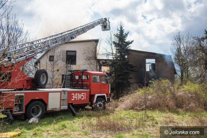 Jelenia Góra: Palił się pustostan w Cieplicach