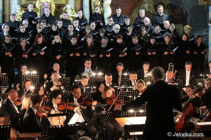 Jelenia Góra: Wspaniały koncert pasyjny w Kościele Łaski