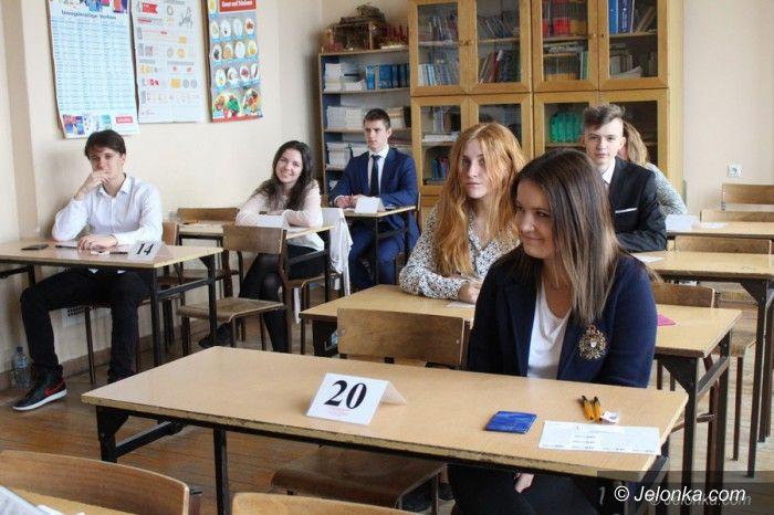 Jelenia Góra: Gimnazjaliści czekają na wyniki egzaminu