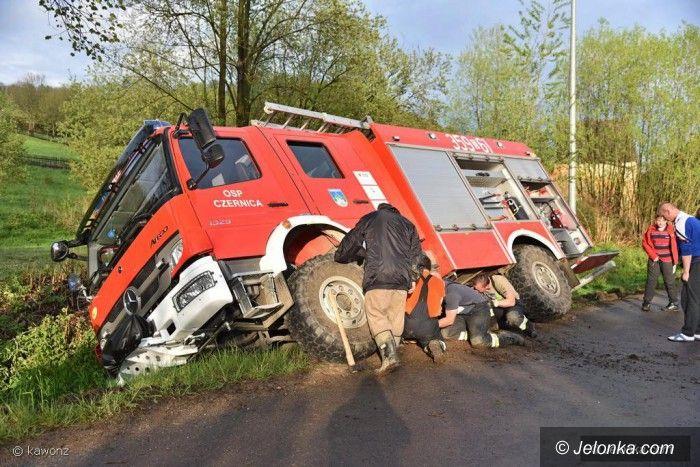 Region: Wóz strażacki w rowie