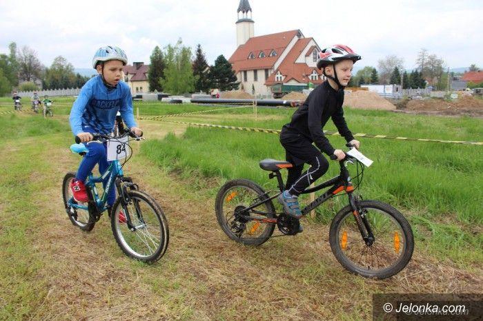 Jelenia Góra: Rodzinne ściganie na rowerach