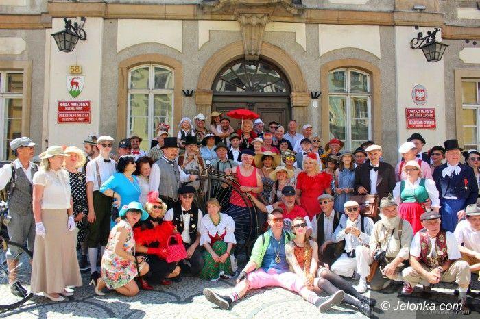 Jelenia Góra: Retro zabawa na rowerach