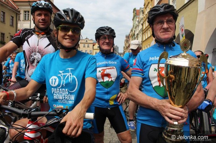 Jelenia Góra: XVII Parada Rowerów na niebiesko