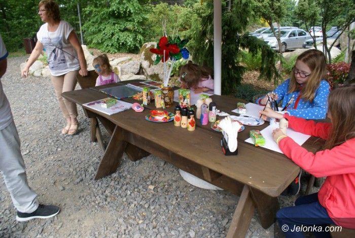 Przesieka: Dzień wdzięczności dla rodziców w ogrodzie Siruwia