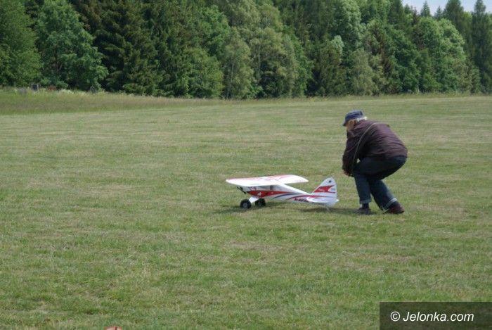 Jeżów Sudecki: Piknik modelarski na Górze Szybowcowej