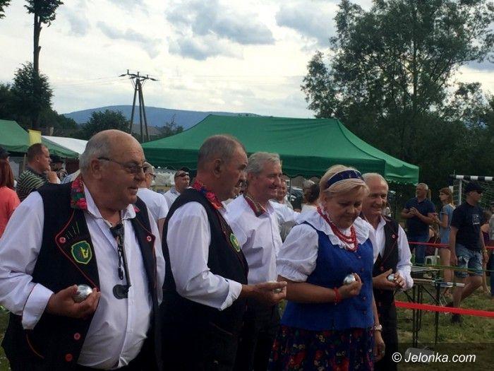 Region: Festynem przywitano lato w Łomnicy