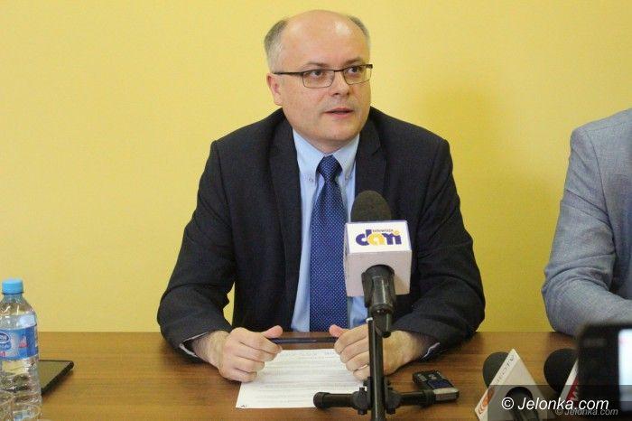 Jelenia Góra: Senator Mróz przestrzega władze Jeleniej Góry