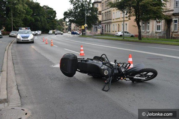 Jelenia Góra: Zderzenie na Wolności z udziałem motocyklisty