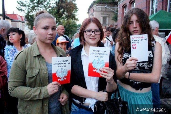 Jelenia Góra: Protest pod sądem z Borusewiczem