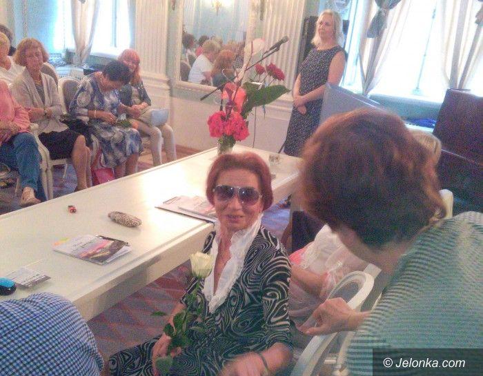 Jelenia Góra: Impresje Alfredy Dziedzic w debiutanckim tomiku