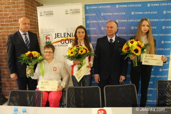 Jelenia Góra: Medalistki z Jeleniej Góry nagrodzone
