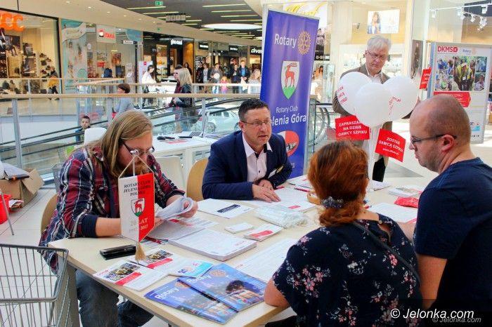 Jelenia Góra: Rotarianie z DKMS szukają dawców szpiku