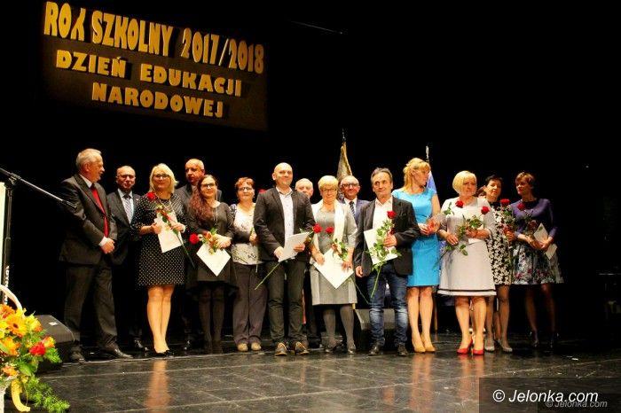 Jelenia Góra: Święto pracowników oświaty z nagrodami