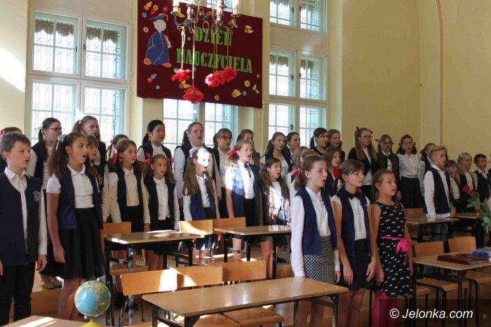 Jelenia Góra: Dwójka świętuje Dzień Nauczyciela