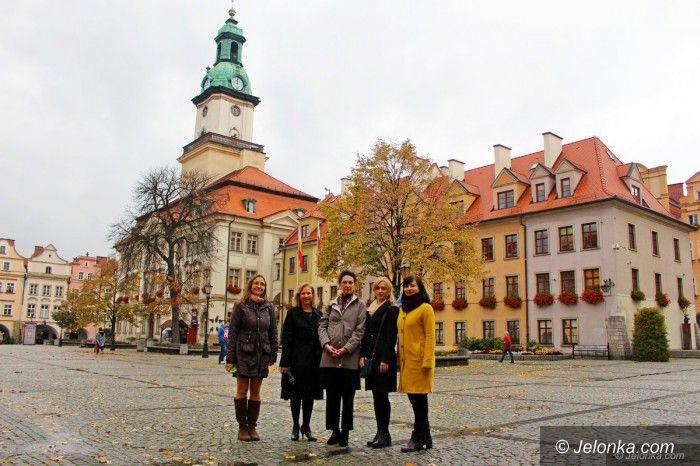 Jelenia Góra: Wykładowcy z USA i Ukrainy w Jeleniej Górze