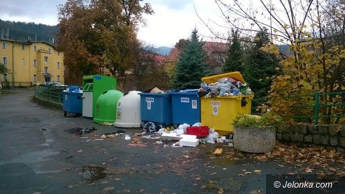 """Jelenia Góra: Wątpliwa """"ozdoba"""" w sercu Sobieszowa"""