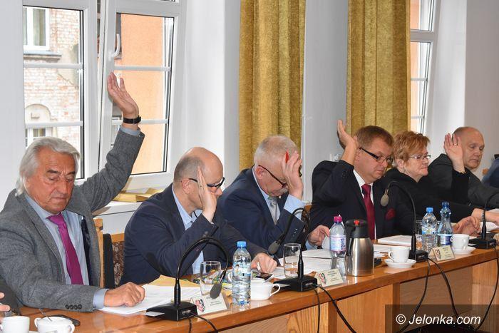 Jelenia Góra: Na sesji o oświacie i ochronie środowiska