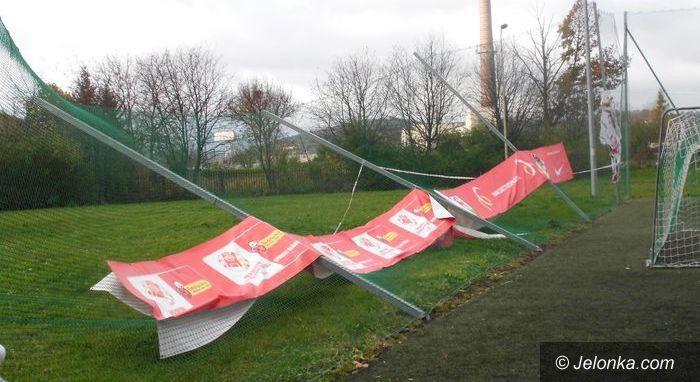 Jelenia Góra: Naprawiają szkody w szkołach po orkanie