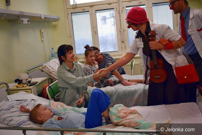 """Jelenia Góra: """"Czerwone Noski"""" na pediatrii"""