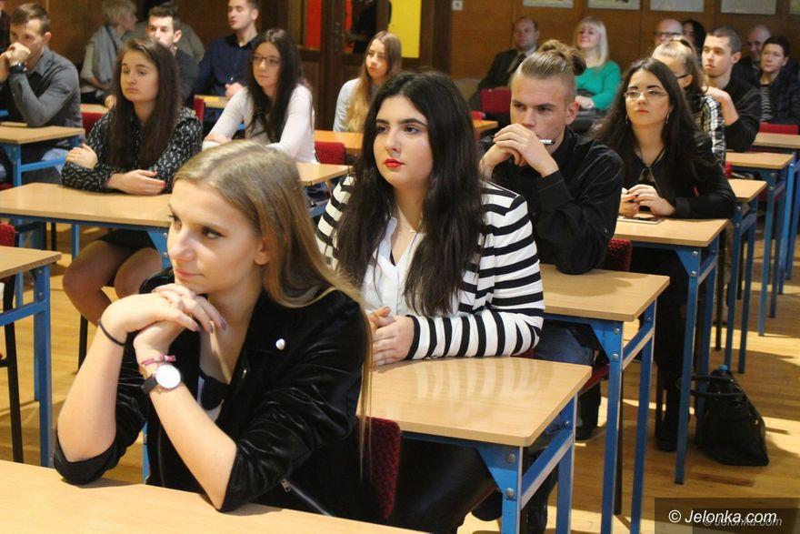Jelenia Góra: Kto zwyciężył w konkursie wiedzy o Sejmie?