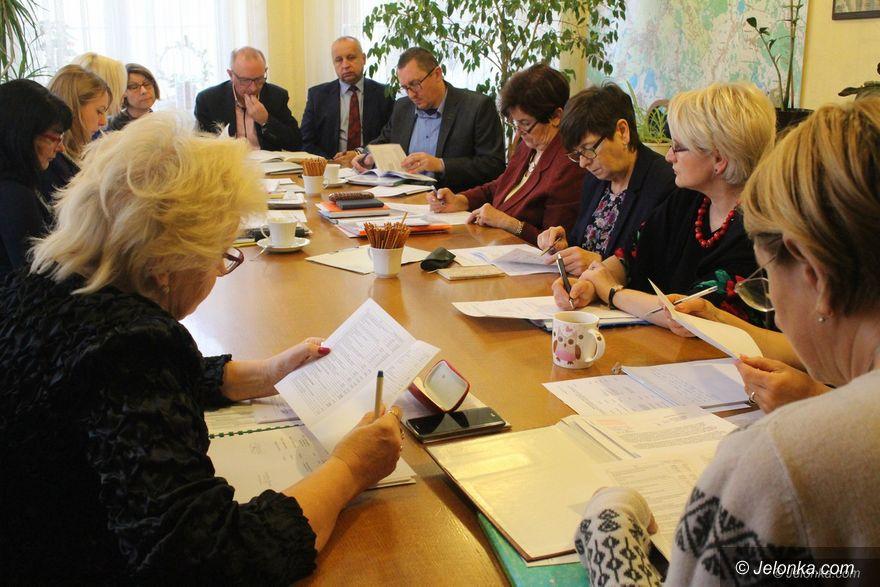 Jelenia Góra: Brakuje 6 milionów na oświatę