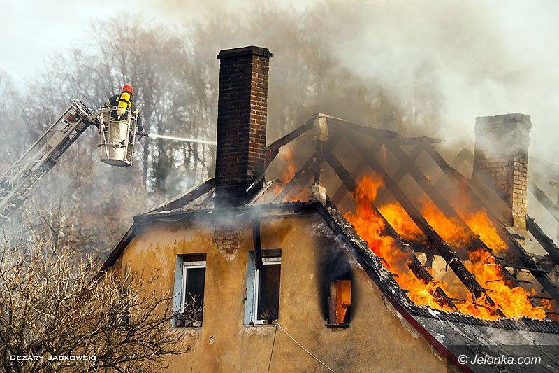 Jelenia Góra: Pożar domu w Jagniątkowie (aktualizacja)