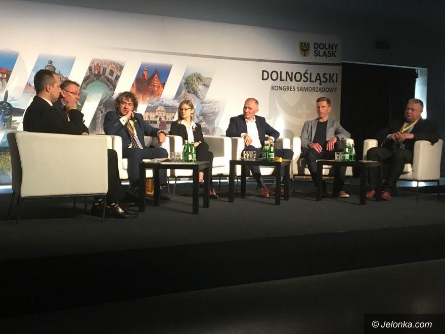Wrocław: Samorządy partyjne czy bezpartyjne?