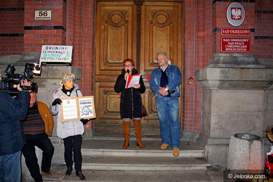 Jelenia Góra: KOD: Możliwa jest powtórka z Majdanu