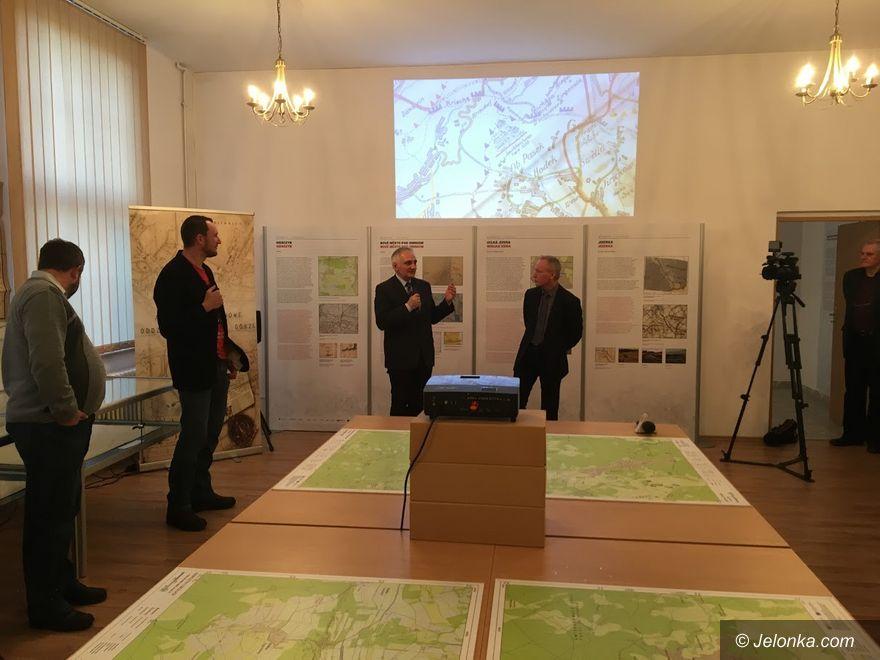 Jelenia Góra: Mapy Gór Izerskich – wystawa w Archiwum
