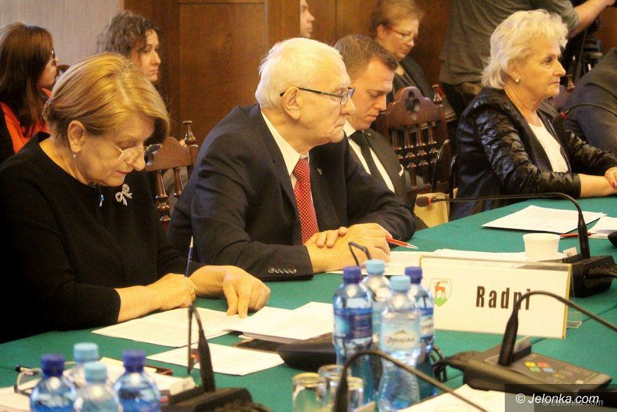 Jelenia Góra: Obaz o Sarzyńskim: Komunista głosujący jak PiS