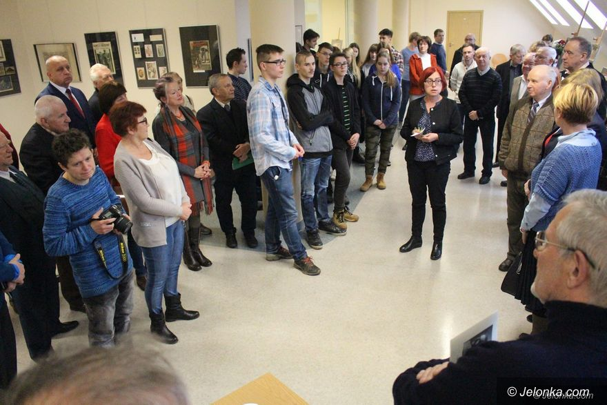 Jelenia Góra: Wystawa z okazji 150. urodzin marszałka Piłsudskiego