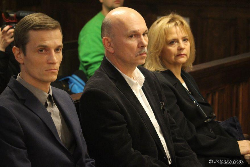Jelenia Góra: Na ławie oskarżonych za pomoc bliskim