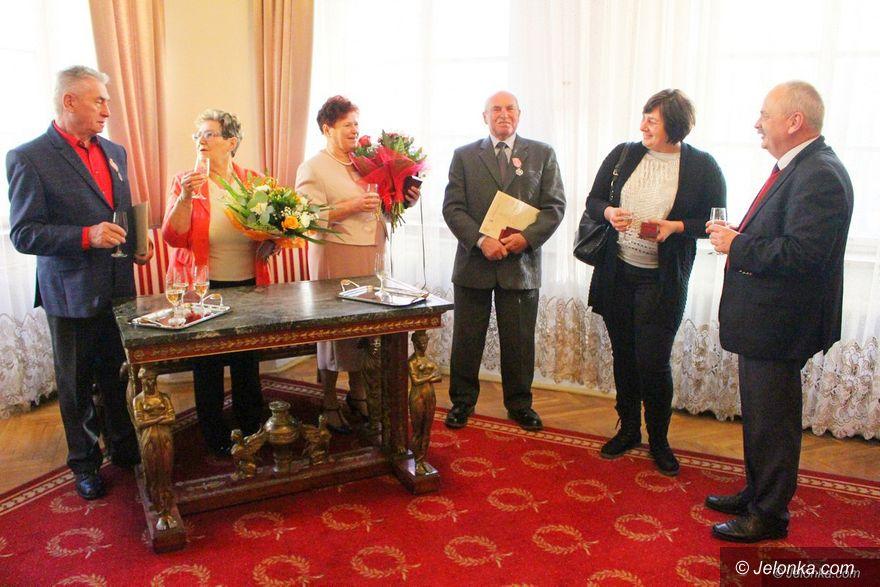 Jelenia Góra: Kolejne pary z medalami od Prezydenta RP