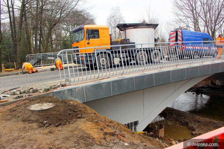 Jelenia Góra: Kiedy pojedziemy przez most na Cervi?
