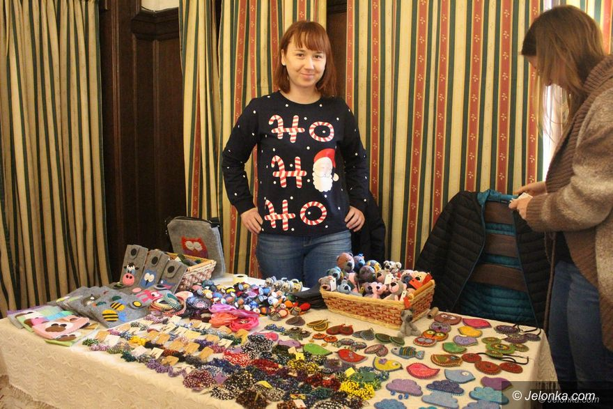 Jelenia Góra: Świąteczny klimat na jarmarku w JCK