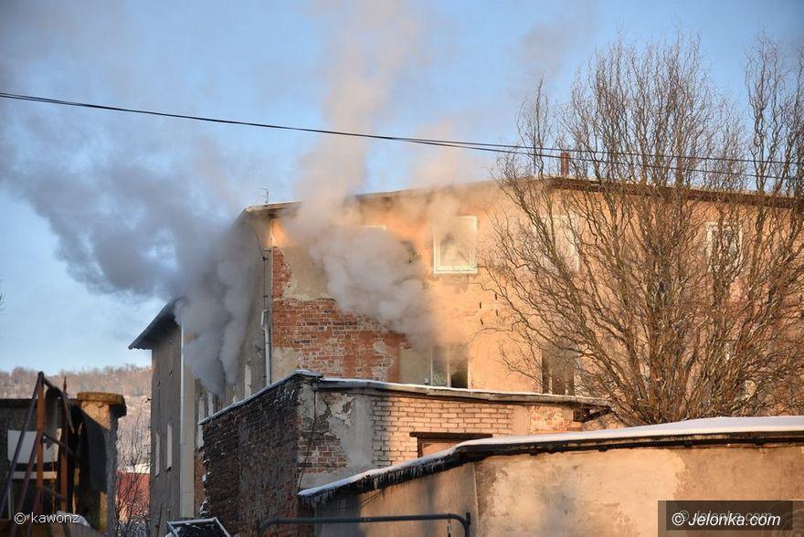 Jeżów Sudecki: Pożar budynku w Jeżowie Sudeckim