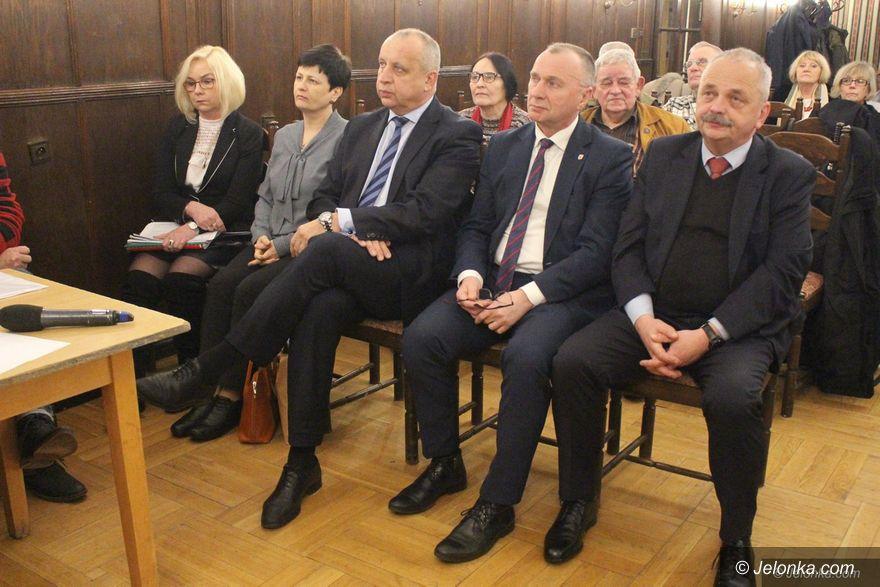 Jelenia Góra: Większość radnych nie skorzystała z zaproszenia KOD–u
