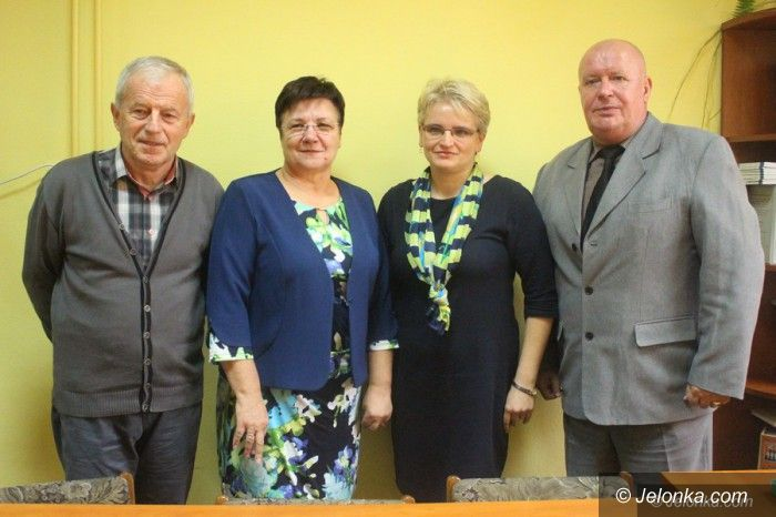 Jelenia Góra: Związkowcy z oświaty popierają działania radnych