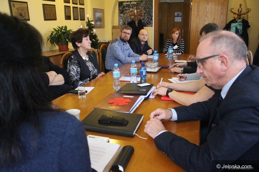 Jelenia Góra: Potrzebna nowa szkoła dla niepełnosprawnych dzieci