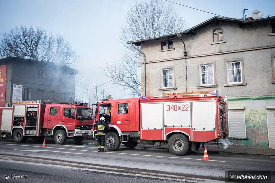 Jelenia Góra: Pożar przybudówki przy Wincentego Pola