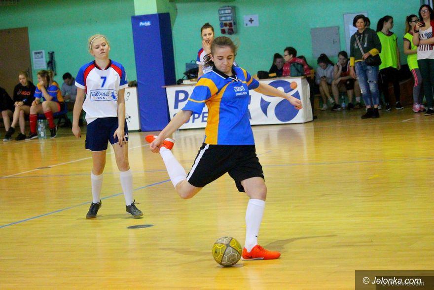 Jelenia Góra: Uczennice Śniadeckiego mistrzyniami w futsalu