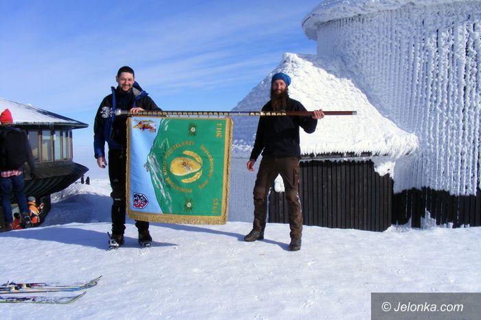 Region: Pszczelarski sztandar na Śnieżce