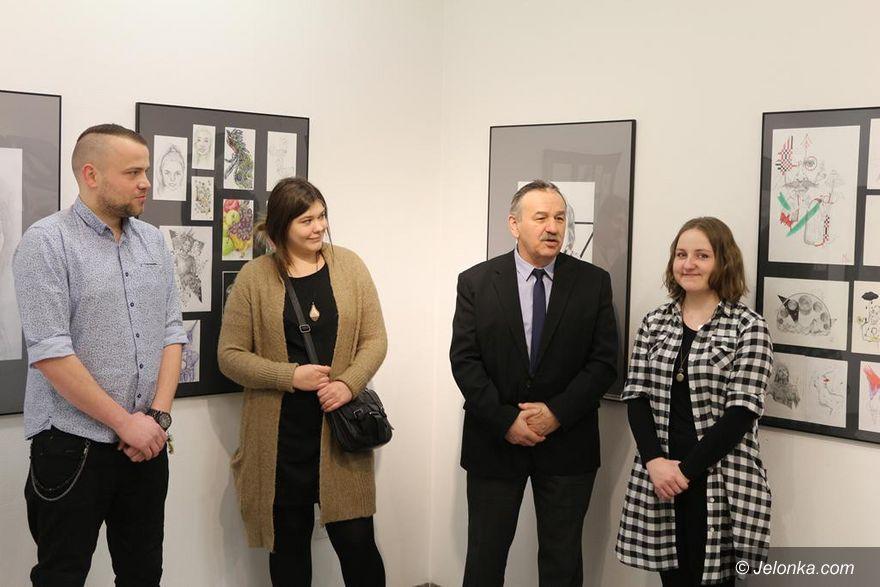 Region: Wystawa Plastyka w Wieży Ratuszowej w Świdnicy