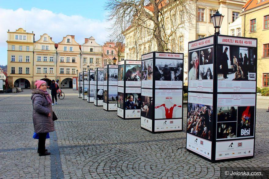 Jelenia Góra: Twórczość Andrzeja Wajdy – w Rynku