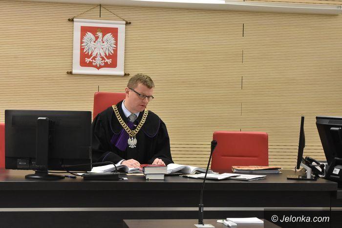 Jelenia Góra: Batalia sądowa wójta z radnym