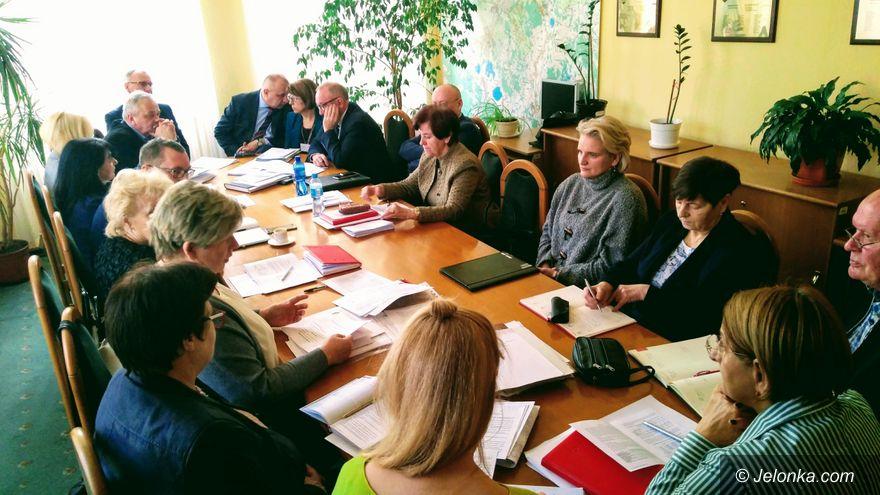 Jelenia Góra: Prezydent wycofał się z likwidacji szkoły przy Leśnej (aktualizacja)