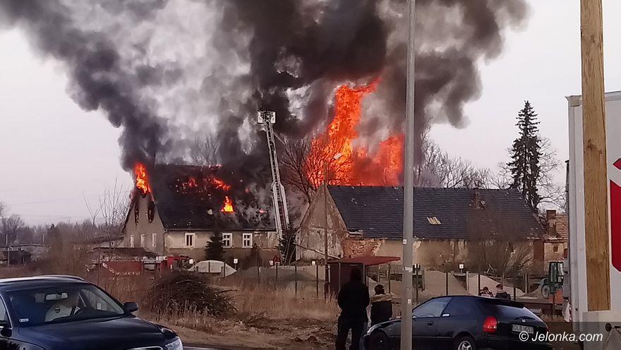 Jelenia Góra: Pożar pustostanu przy Wojewódzkiej