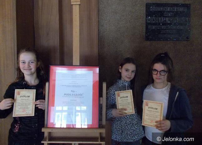 """Wrocław: """"Trzy róże"""" SP7 nagrodzone"""