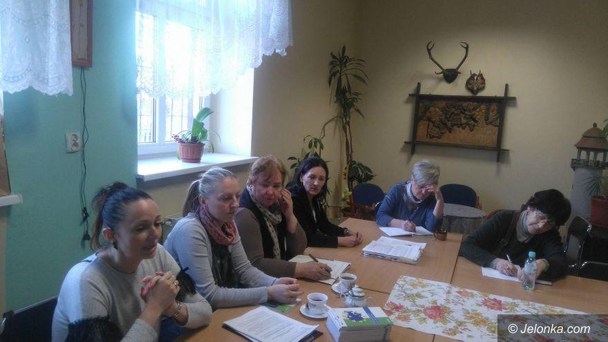 Jelenia Góra: KSON: Świadczenia pomocy społecznej i ZUS